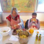Preparing pickled pears